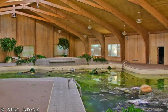 abandoned_mike_tyson_mansion_33