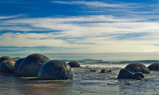 boulders_from_out_640_11