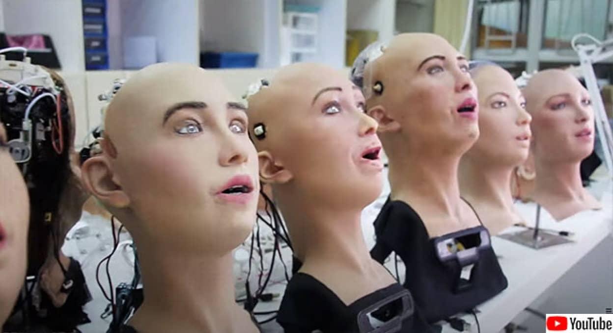 ヒューマノイドロボット「ソフィア」が大量生産される動き
