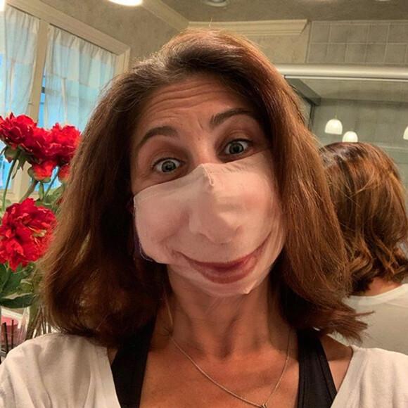マスクしてても口が見える、プリントマスクが大人気
