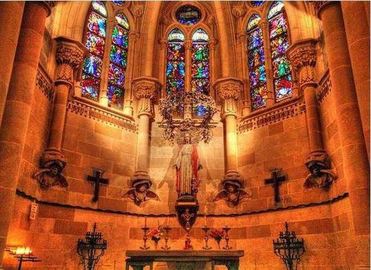 temple_expiatori_de_la_sagrada_familia_in_barcelona_20