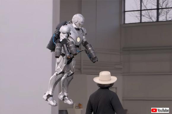大人が遊びに本気を出した。空を飛べるし弾丸も弾く、アイアンマンのパワードスーツをガチで制作