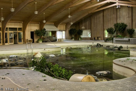 abandoned_mike_tyson_mansion_31