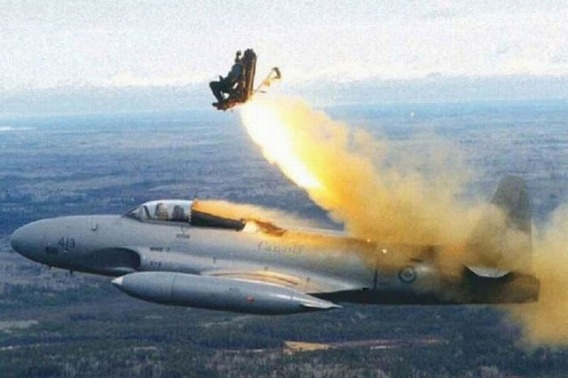 fascinating_pilots_ejections_640_16