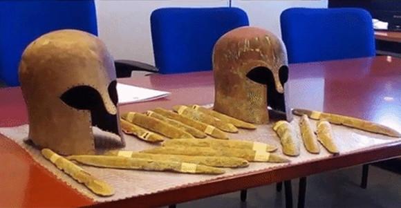 幻の島アトランティスの遺物か?2600年前の難破船から、伝説のオリハルコンらしき合金が回収される(イタリア)