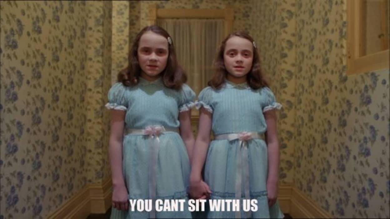 シャイニングの双子そっくりな幽霊が呪われたホテルで激写される