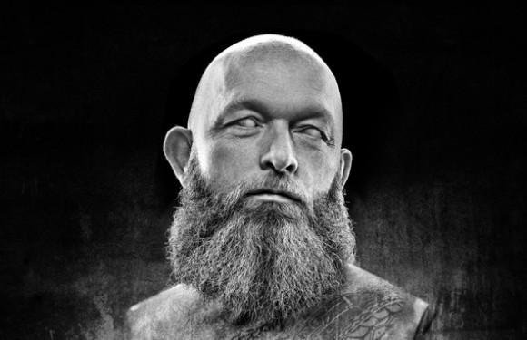 人類の歴史は薄毛との戦いの歴史。古今東西10の奇妙なハゲの民間治療法