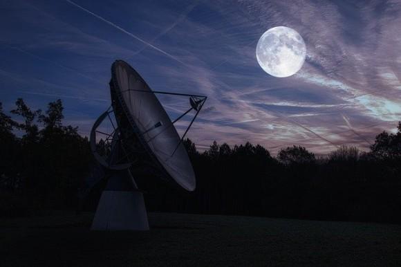 moon-4229845_640_e