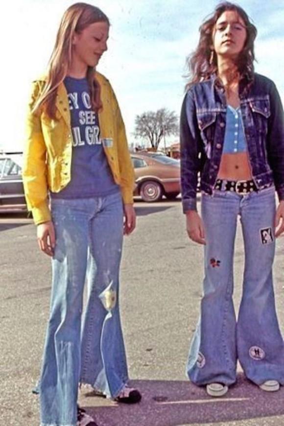 ヒッピー時代を象徴する、1970年代前半の西洋女性のストリート