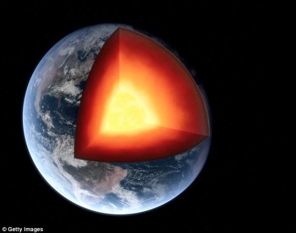 地球の地下1,000キロメートルに巨大な海を発見。干上がった場合、生命が絶滅する恐れがある(英米研究)