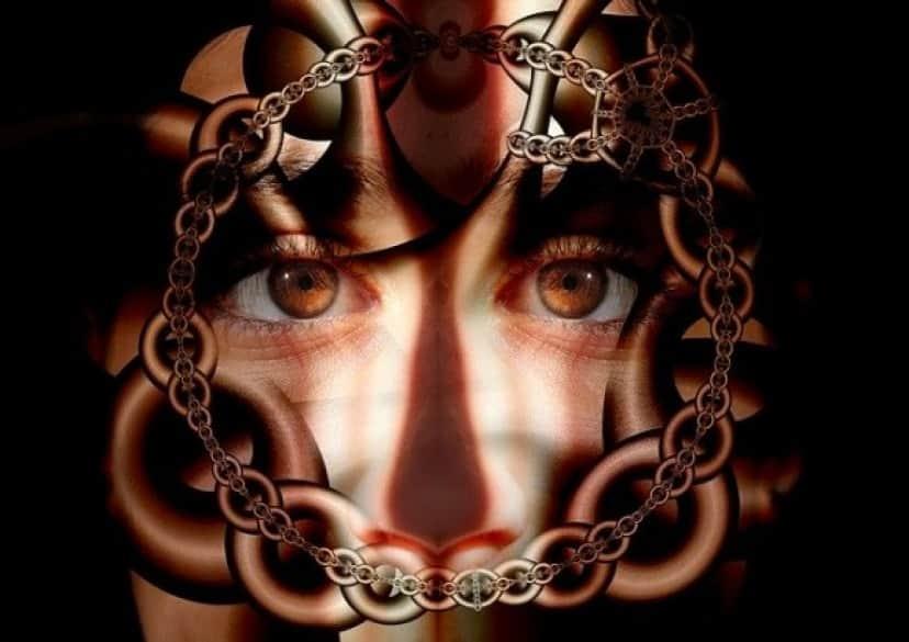 chains-433541_640_e