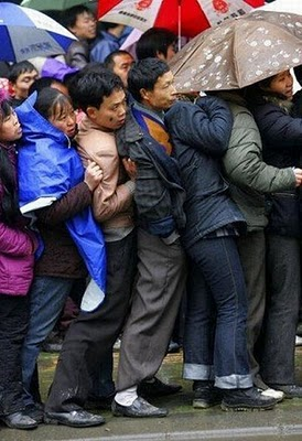 crowded_train_stations_in_china_15