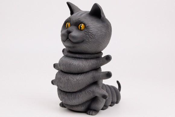 猫好き、イモムシ好きは一挙両得グッズ。頭部や胴体が動く可動フィギュア「キティピラー」の予約販売がはじまった