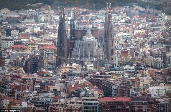 ついに最終段階に突入。世紀の建造物、サグラダファミリアの近影写真