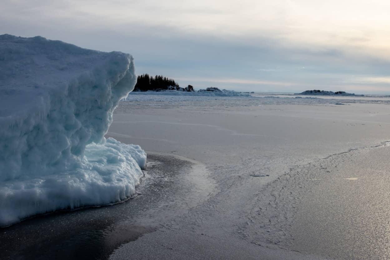 熱波によりカナダの棚氷が崩壊