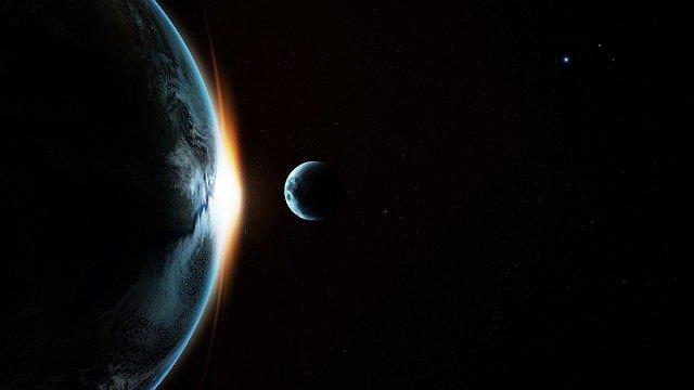 月は強力な磁場で地球の生命を守っていた可能性