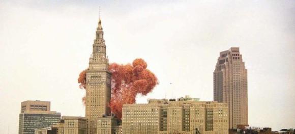 史上最悪の風船災害。150万個の風船が大量のゴミとして降り注いだバルーンフェスタ(アメリカ)