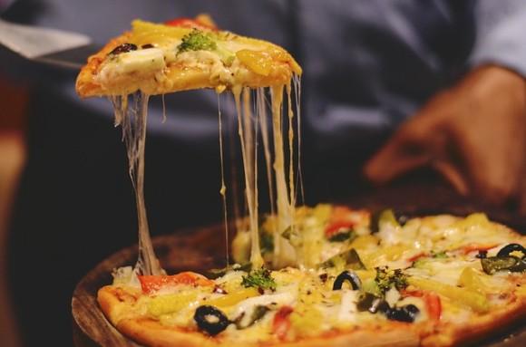 pizza-3525673_640_e