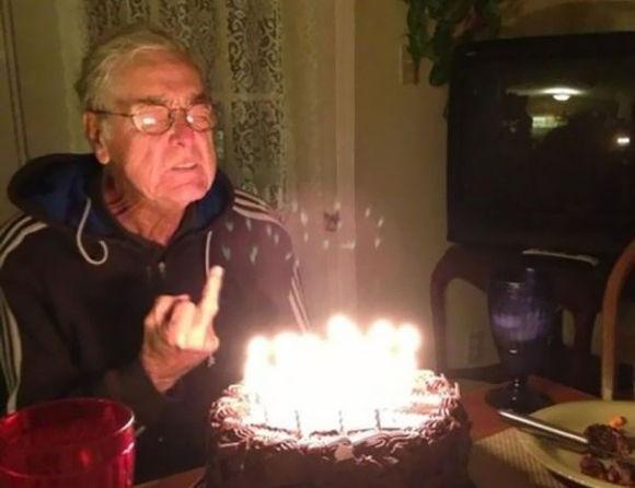 老いても尚いろいろ盛ん。世界のやんちゃなおじいちゃんたち