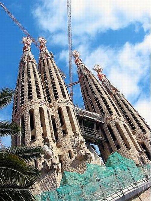 temple_expiatori_de_la_sagrada_familia_in_barcelona_21
