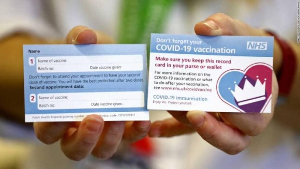 イギリスで新型コロナワクチン接種した人に配られるカード