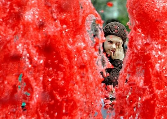 Red_Fountains_Of_Bucharest_4