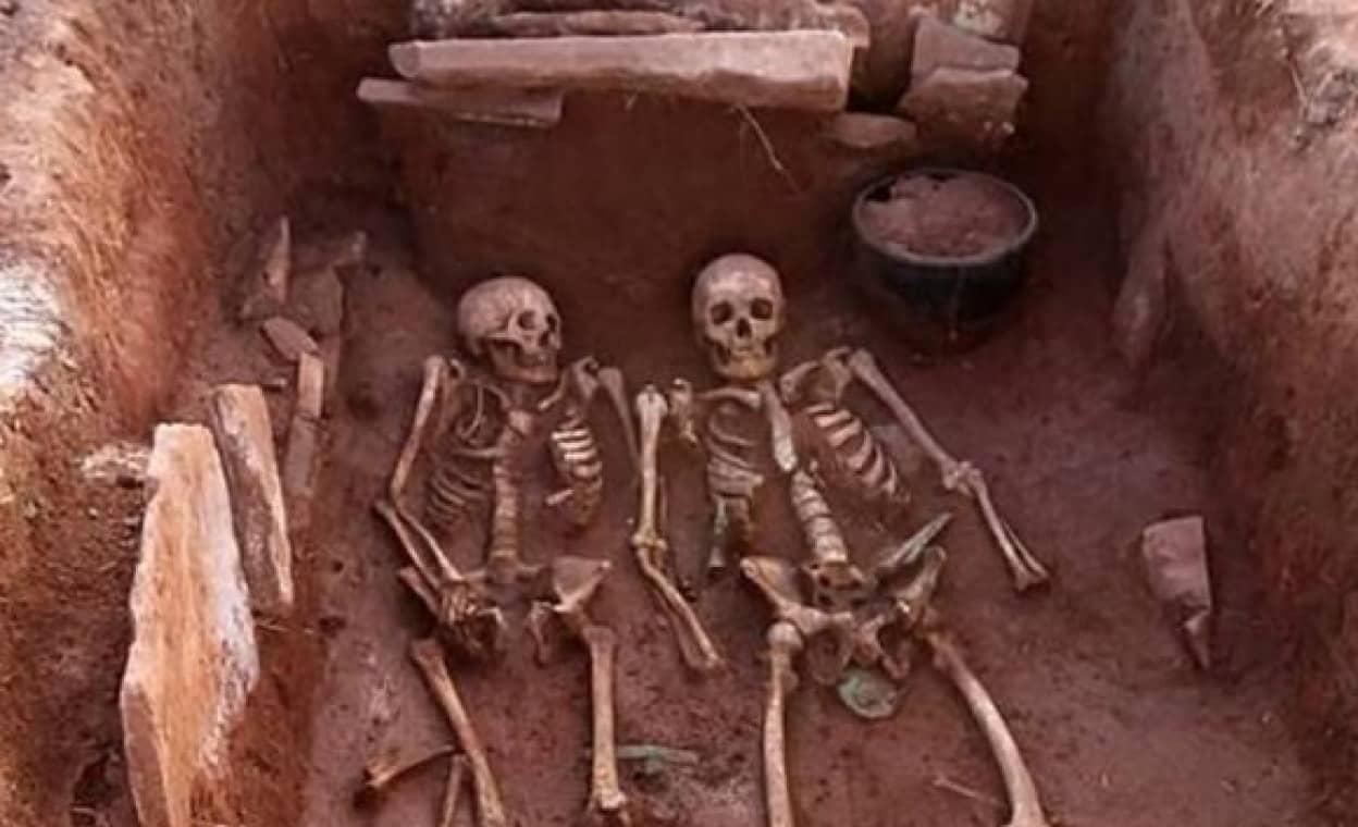 夫婦の古代戦士の遺骨がシベリアで発見される