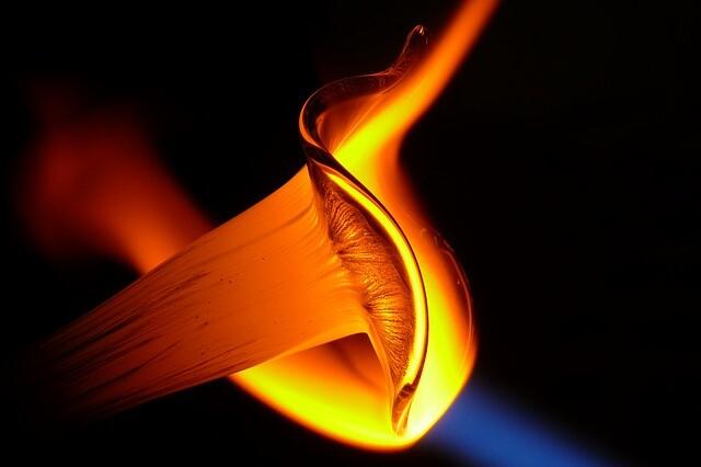 「液体ガラス」という新しい物質の状態を発見