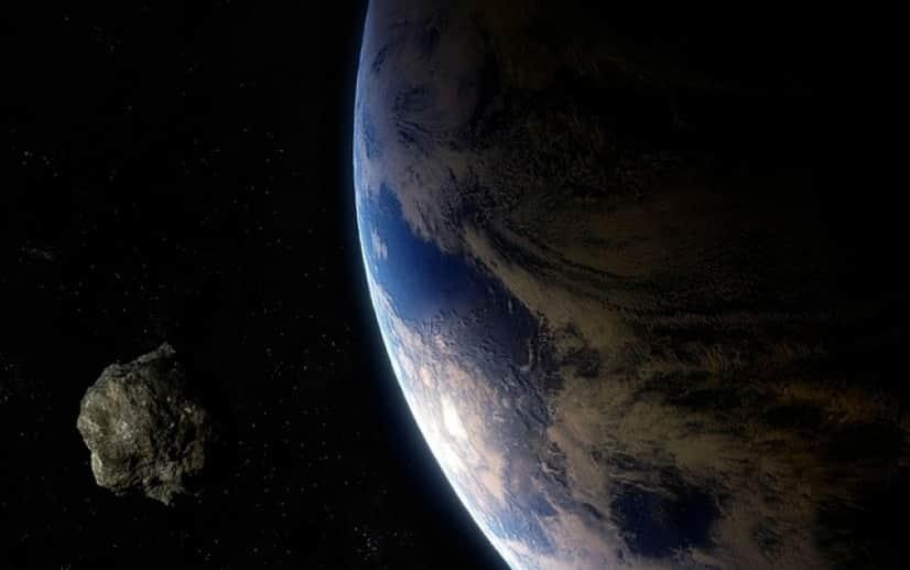 小惑星が地球に接近