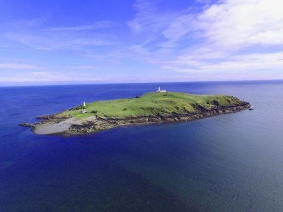 スコットランドの美しい島、リトル・ロス島が破格の安さで売りだされたその理由