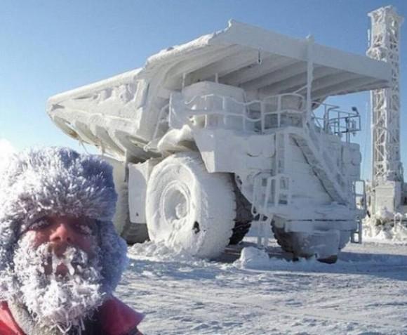 これがリアルな「極寒」ってやつか。冬が寒くて相当すごいことになっている20枚の日常写真