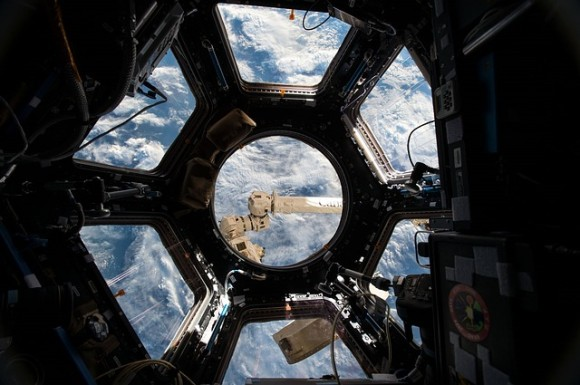 international-space-station-880150_640_e
