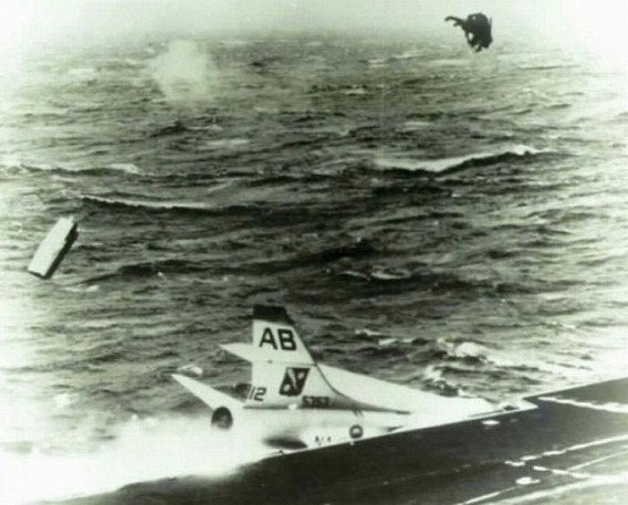 fascinating_pilots_ejections_640_26