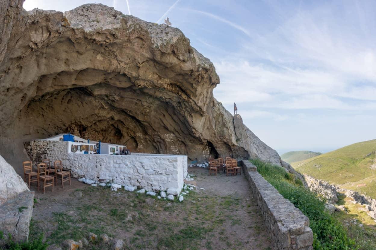 ギリシャの屋根のない教会