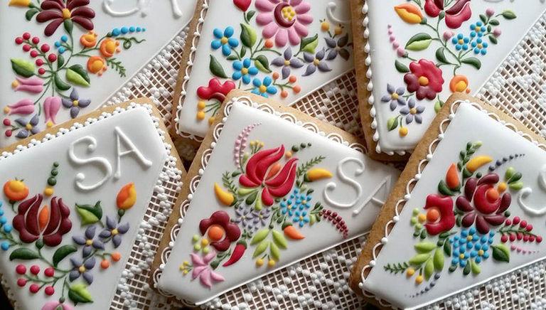 美しすぎて食べられない!繊細なブーケに彩られたアイシングクッキー