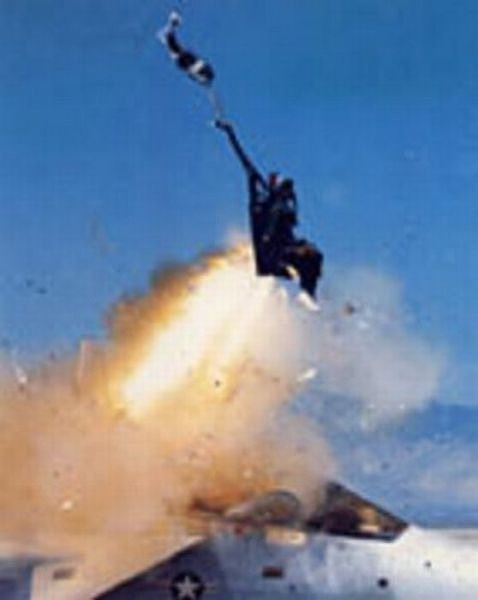 fascinating_pilots_ejections_640_08