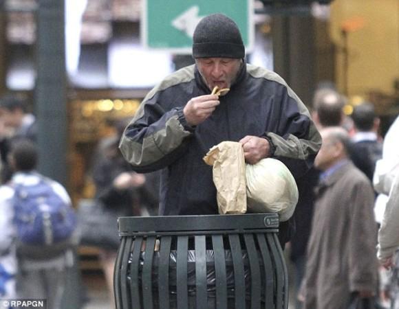リチャード・ギアがホームレスに間違えられて通行人からピザの施しを受ける。という事案が発生(映画撮影中)