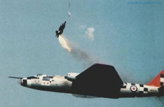 fascinating_pilots_ejections_640_10