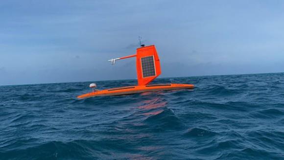 世界初、海洋ドローンでハリケーン内部の撮影に成功