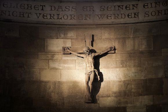 crucifix2_pixabay
