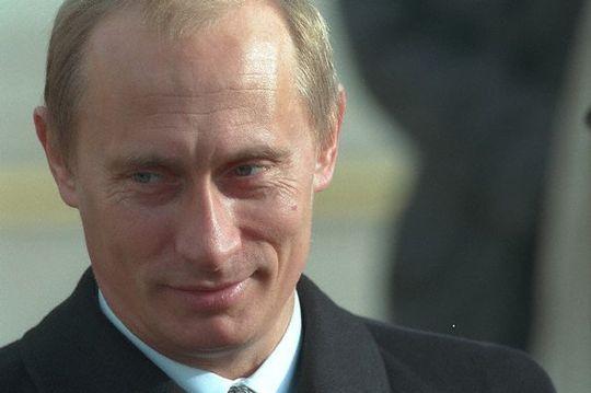 【恐ろしあ】プーチン「シンゾーよ、領土とは武力で血を流して取るものだ。理屈ではない。その覚悟があるのか?!」