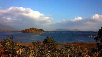 桧原湖紅葉
