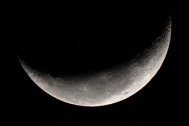 カレワラ天文台 下弦の月