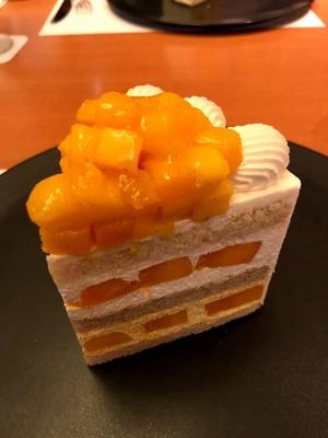 パティスリーSATSUKIのエクストラスーパーマンゴーショートケーキ