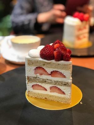 パティスリーSATSUKIのエクストラスーパーあまおうショートケーキ