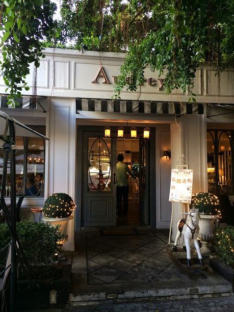 Audrey Cafe & Bistroでディナー