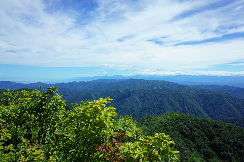 人形山(1726m)三ヶ辻山(1764m...