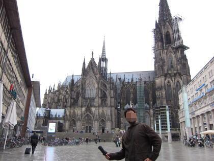 離れてみた大聖堂