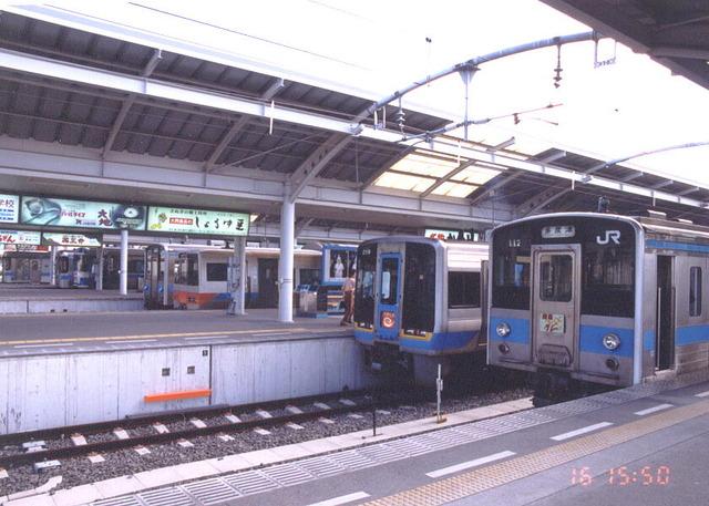 ST-TAKAMATSU_7-TRAINS