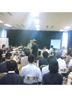 今日は、横浜アカデミー!